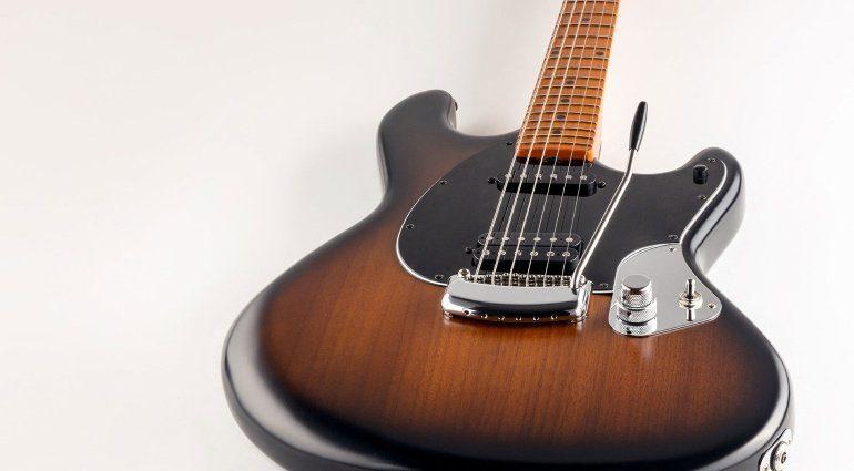 Ernie Ball Music Man StingRay Guitar Artist Series Dustin Kensrue Thrice Signature E-Gitarre Slant