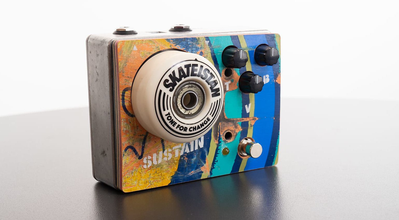 Tone for Change Skateistan Fuzz Effekt PEdal Front 1
