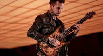 Ernie-Ball-Music-Man-Jason-Richardson-Artist-Series-7-String-Cutlass