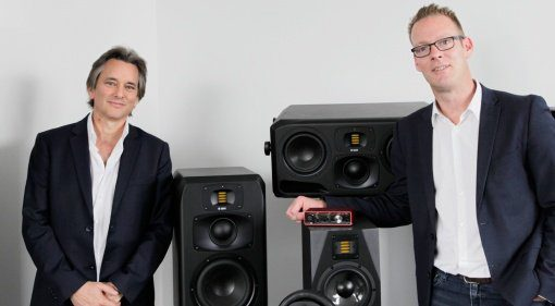 Tim Carroll (CEO Focusrite Group) und Christian Hellinger (CEO ADAM Audio)