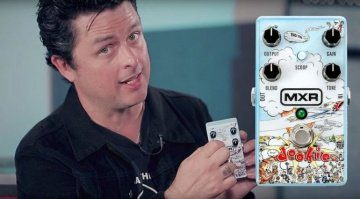 Watch-Billie-Joe-Armstrong-demo-the-new-MXR-Dookie-Drive-pedal