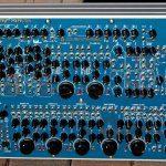 Blue Lanterns Monstersynthesizer BLM 7200 DARPA – ein bisschen ARP?