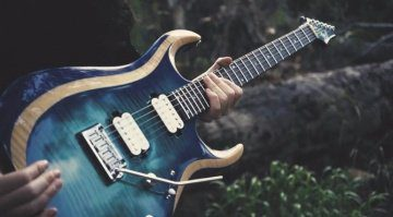 Cort X700 Duality Hands