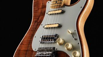 Fender Rarities Flame Koa Top Stratocaster with Tim Shaw pickups
