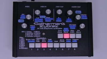 Gotharman's Zybraz: 24-stimmiger Resonator Poly-Synthesizer