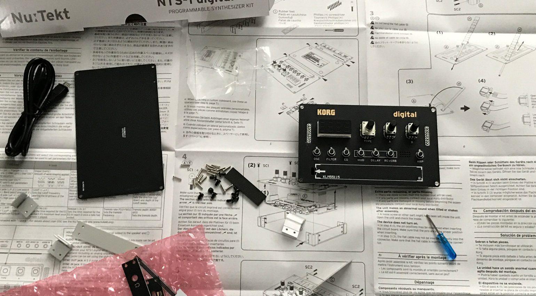 Fast fertig: Der Zusammenbau des kleinen DIY-Synthesizers dauert nur ein paar Minuten
