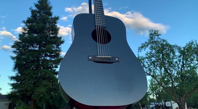 Burls Art Kohlefaser Akustikgitarre Front