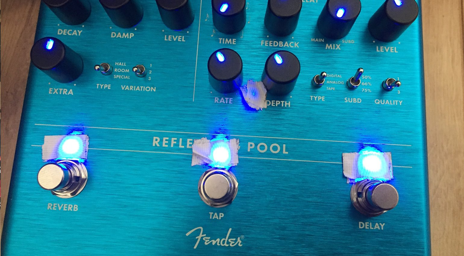 Fender Reflecting Pool Reverb Delay Effekt Pedal Abgeklebte LEDs
