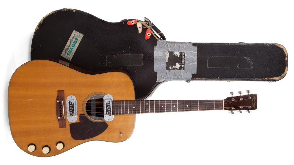 Kurt Cobain Martin D-18E Akustikgitarre Auktion 2