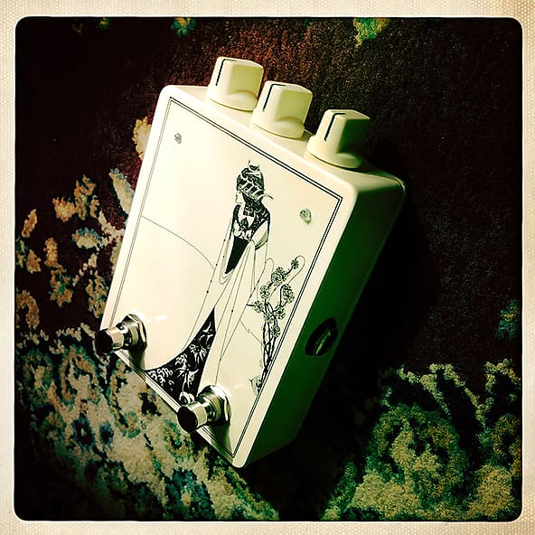 Red Witch Seraphina Fuzz Octave Effekt Pedal 1