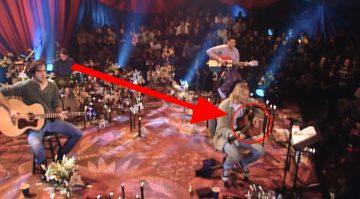 Kurt Cobain Martin D-18E Akustik Gitarre Rekord Teaser