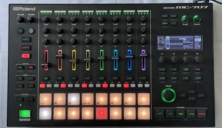 Roland MC707 Angecheckt