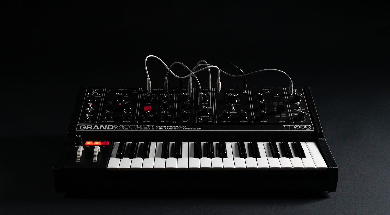 Moog Grandmother Dark Series