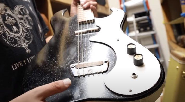 Danelectro Silvertone Gitarre