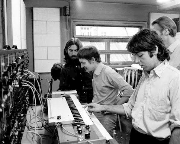 Beatles und Moog Modular