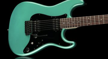 Fender Boxer Stratocaster HH E-Gitarre Front