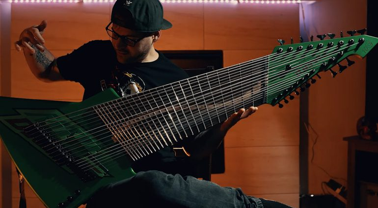 Jared Dines Mountain Dew 20-saiter E-gitarre 1
