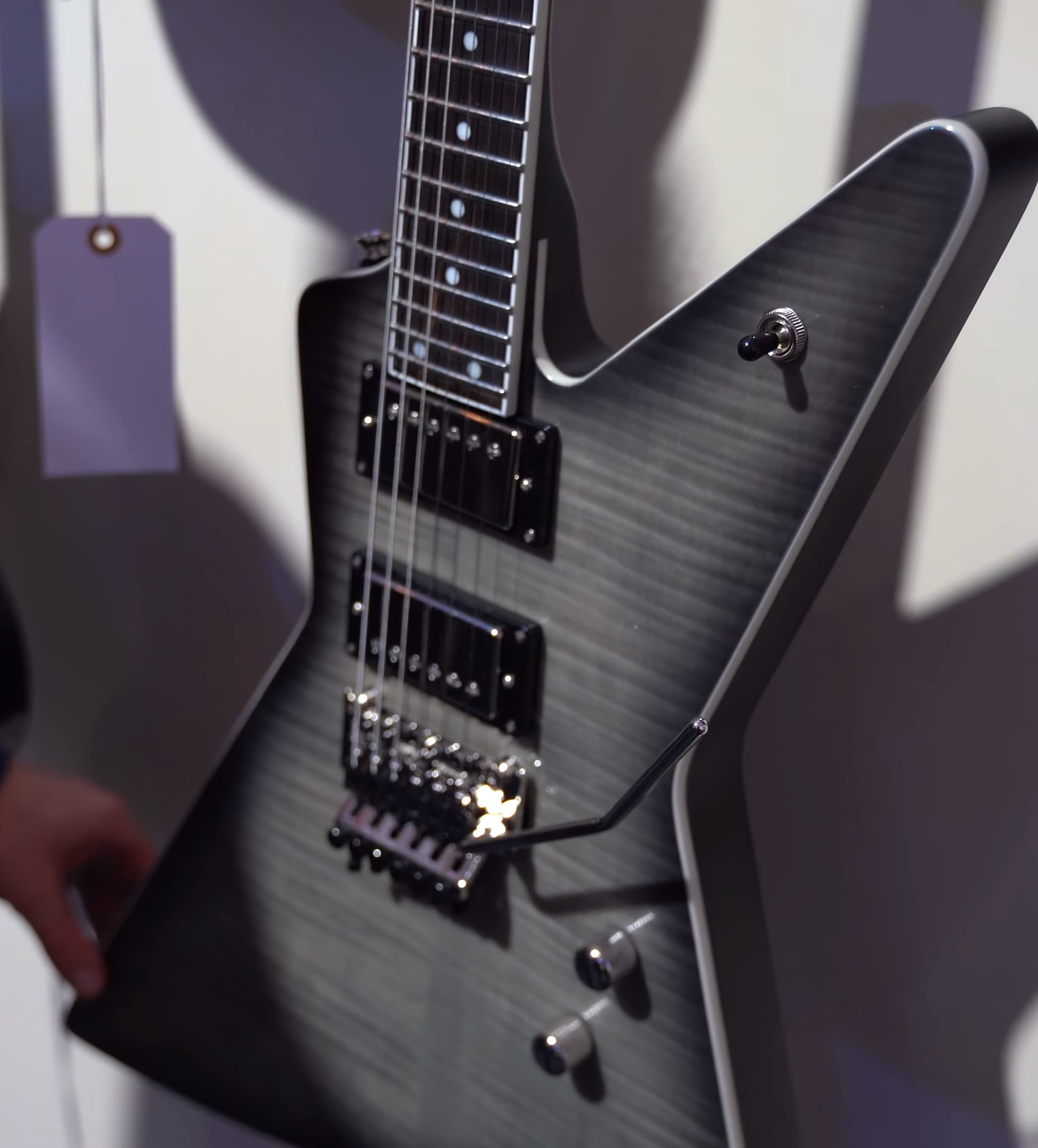 Epiphone Brendon Small Ghost Horse Explorer 24 Buende