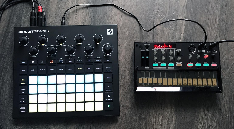 Korg Volca FM über analogen Sync Out mit Circuit Tracks synchronisiert