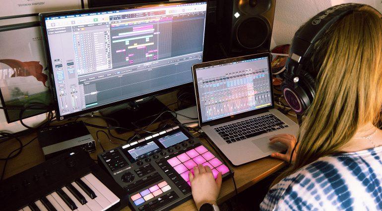 SchoolJam startet Recording Contest 2021 mit coolen Sachpreisen!