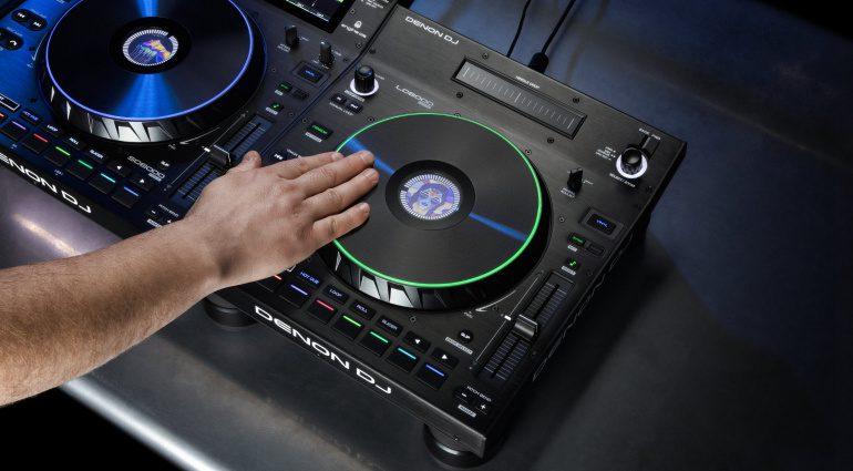 Denon DJ LC6000 Deck-Controller steuert Mediaplayer und DJ-Software
