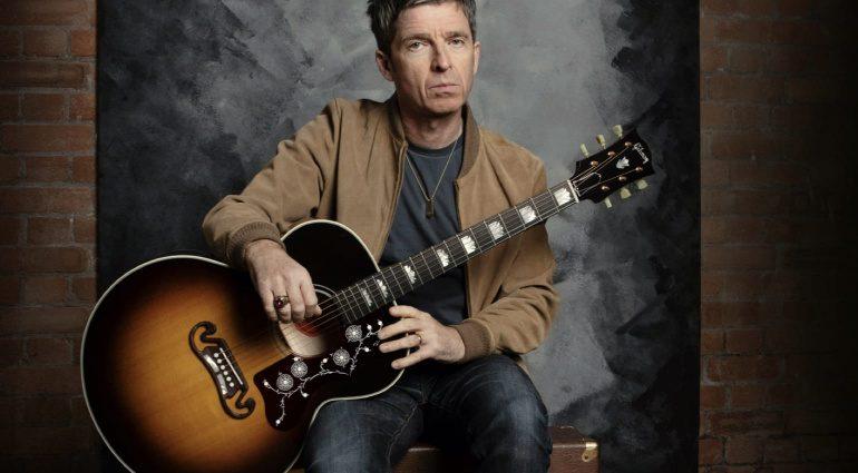 Noel-Gallagher-Gibson-J-150-acoustic-