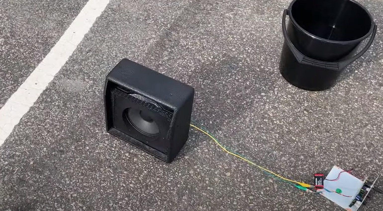 Johan Segeborn brennender Speaker Amp