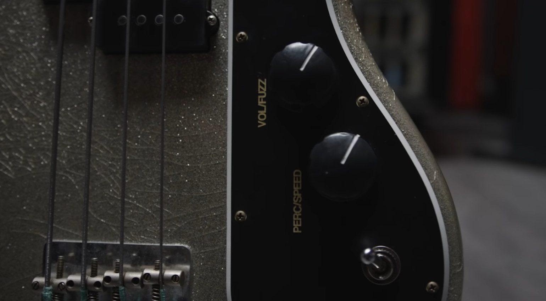 Fender Adrian Younge Jazz Bass Fuzz Poti