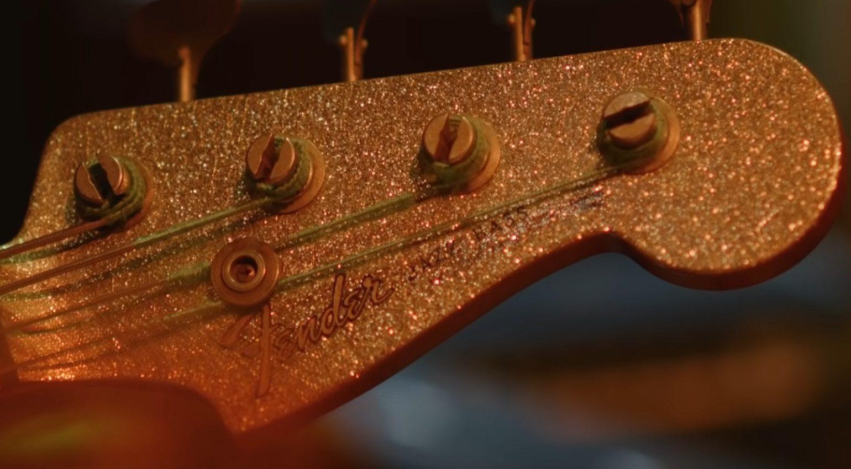 Fender Adrian Younge Jazz Bass Headstock